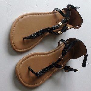 American Eagle Black Strappy Sandals Juniors 4-1/2